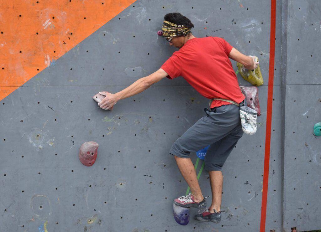 academia de escalada para principiantes lima vertical
